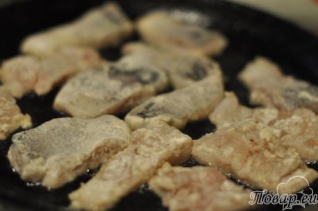 Щука с овощами: обжаривание рыбы