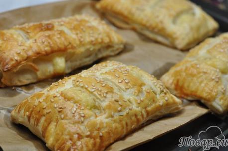 Слойки с сыром из слоёного теста: готовые слойки