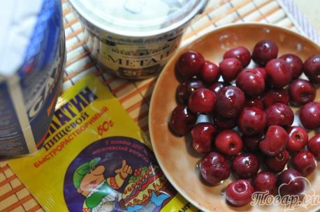 Десерт из сметаны с фруктами: продукты