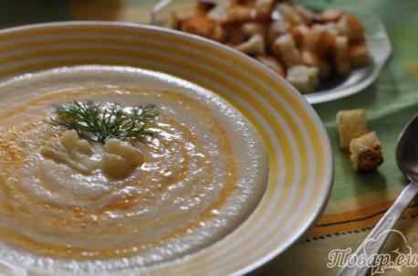 Суп-крем из цветной капусты готов