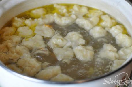 Суп с клёцками: клёцки