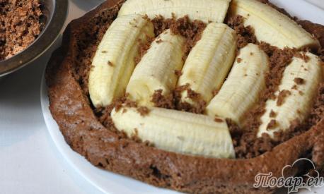 Торт Норка крота с бананами: корж с начинкой