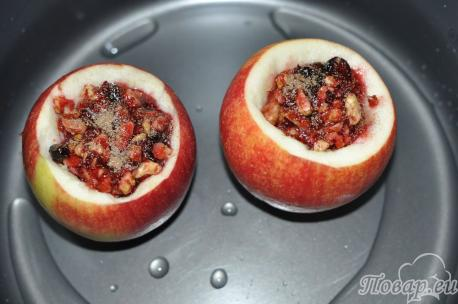 Яблоки по-венски: в мультиварке