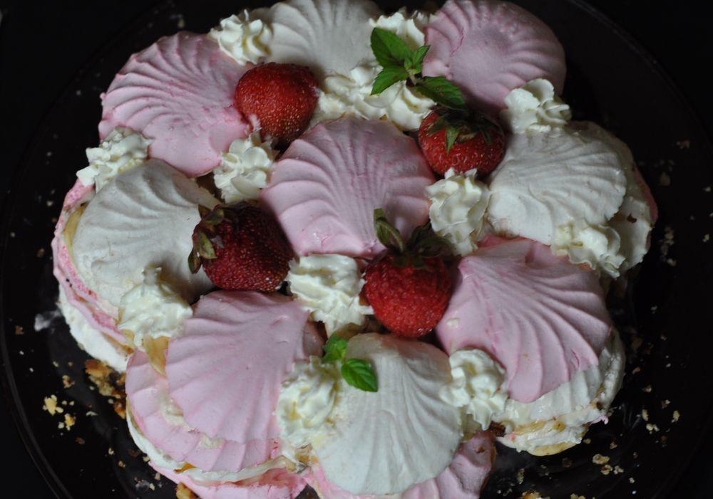 Торт с зефиром и фруктами без выпечки